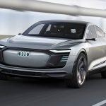 Audi затроллила «Теслу» с помощью билборда