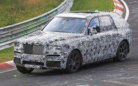 Rolls-Royce вывел на Нюрбургринг свой первый кроссовер