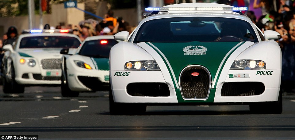 В Дубае заработают беспилотные автомобили-полицейские