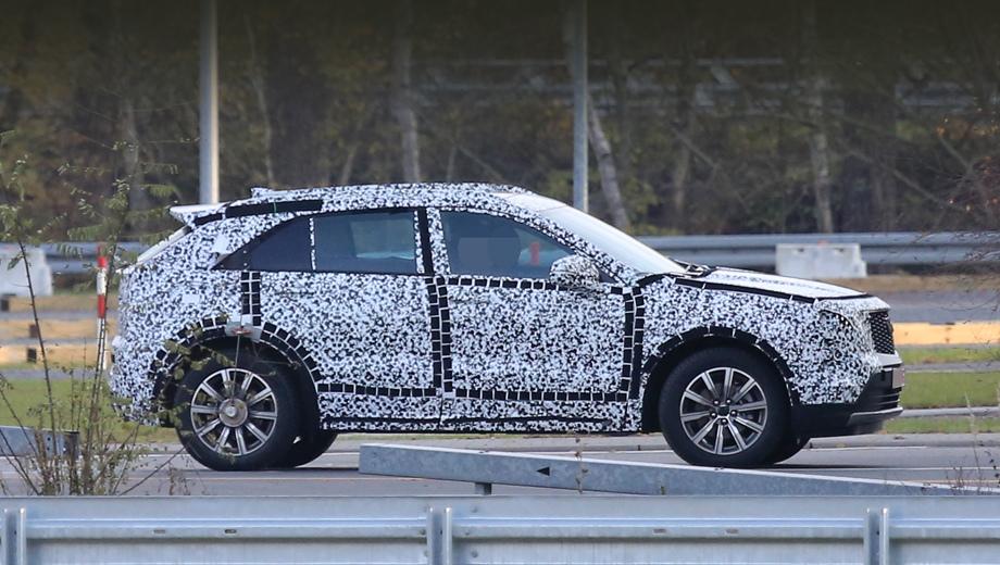 Компактный кроссовер Cadillac XT4 задержится до весны
