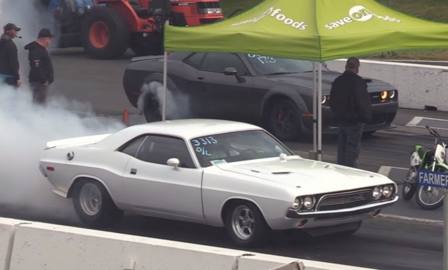 Битва поколений: Dodge Challenger '72 против Dodge Demon