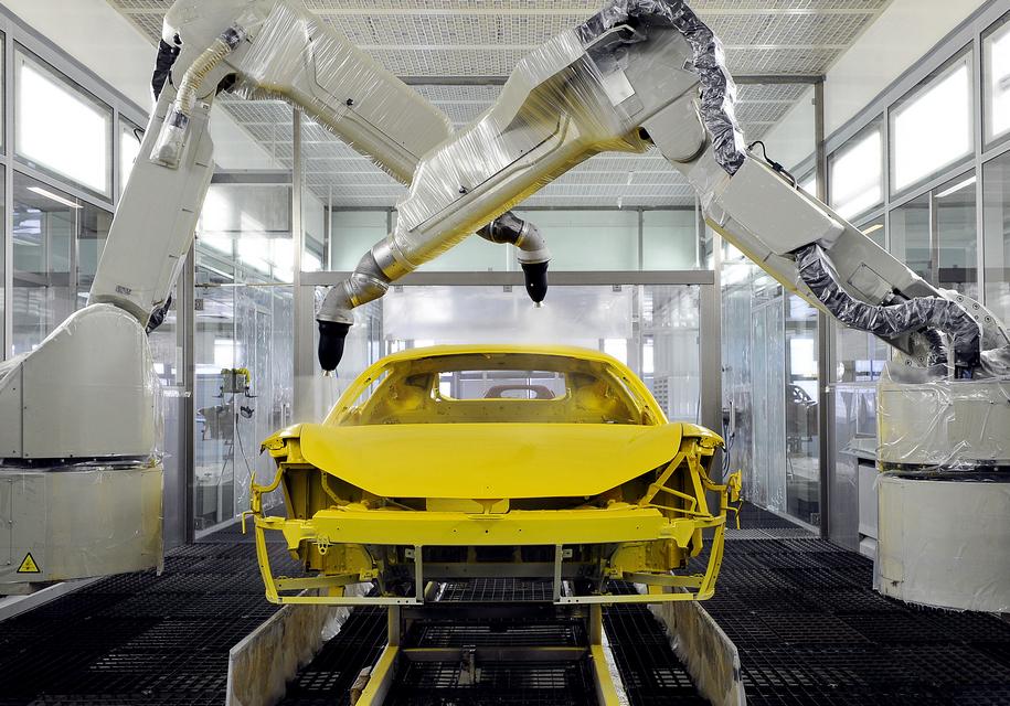 Ferrari внедрила новый способ окраски суперкаров