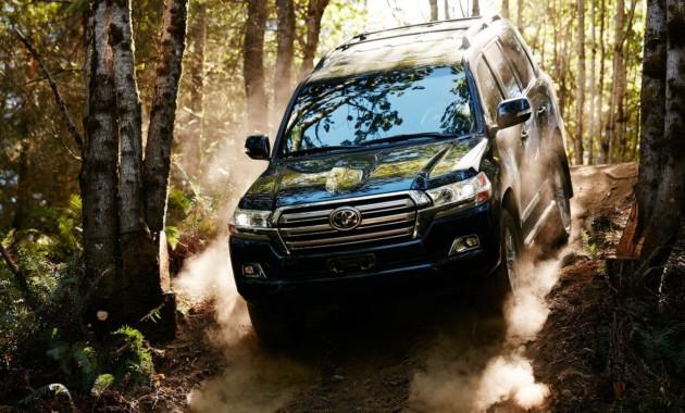 Toyota работает над новым поколением Land Cruiser: известны подробности