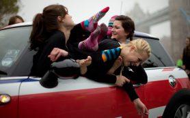 Каршеринг в России стремительно развивается, но автомобилей всем желающим не хватает