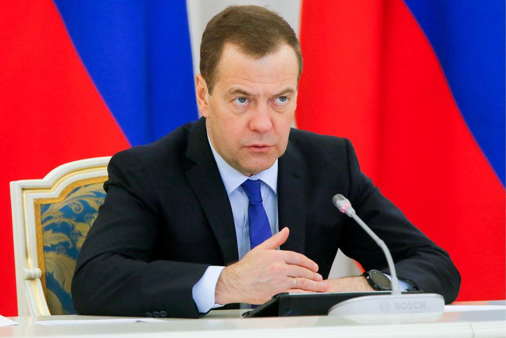 Медведев одобрил эксперимент по эксплуатации беспилотных автомобилей