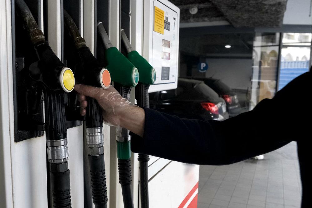 Бензин в январе 2019 года подорожает максимум на 1,7 процента