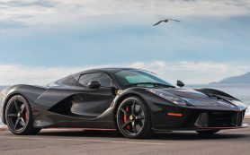 Суперкар Ferrari LaFerrari Aperta продадут за 8,5 миллиона долларов