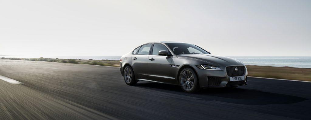 В России появилась специальная версия Jaguar XF