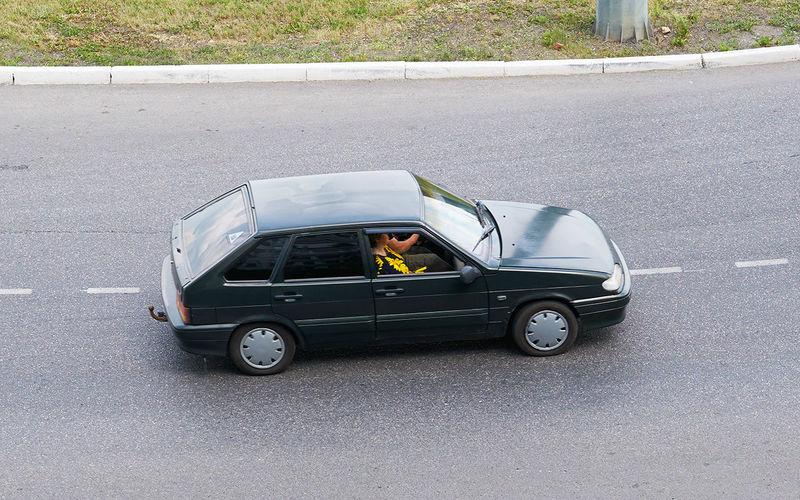 Мы все беднеем: уже и на вторичке покупаем меньше машин