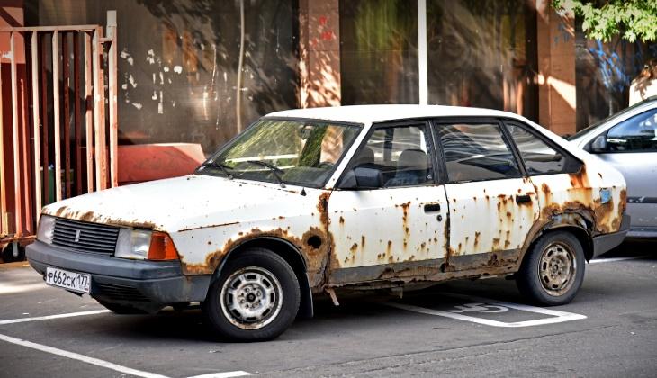 Депутаты Госдумы предложили запретить эксплуатацию старых автомобилей