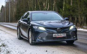 Билет в бизнес: тест-драйв седана Toyota Camry V6