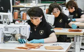Lamborghini перешла на выпуск медицинских масок