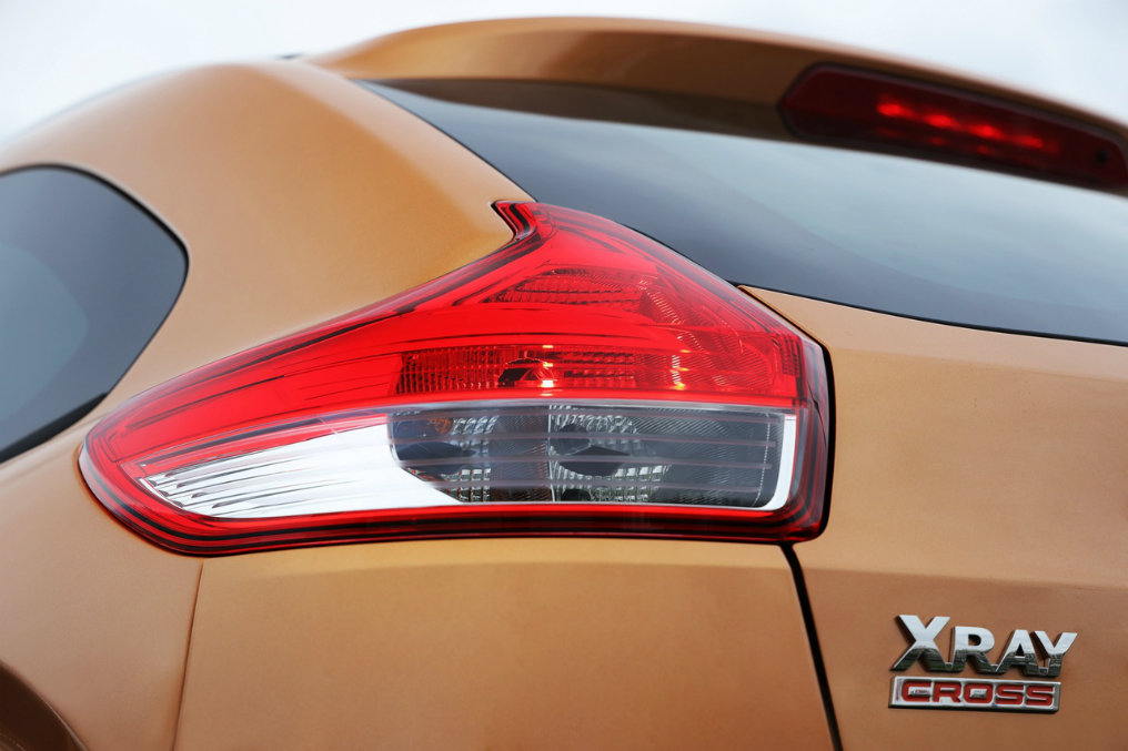 АвтоВАЗ не собирается «убивать» Lada Xray