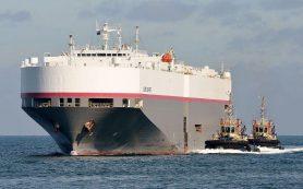 Корабль с новыми Nissan дрейфовал у берегов США почти неделю