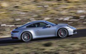 Новый Porsche 911 c «механикой» добрался до Европы