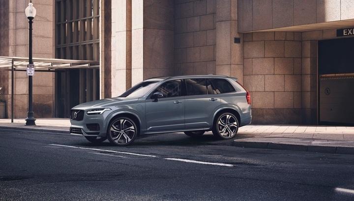 Volvo будет продавать машины в России под новым брендом