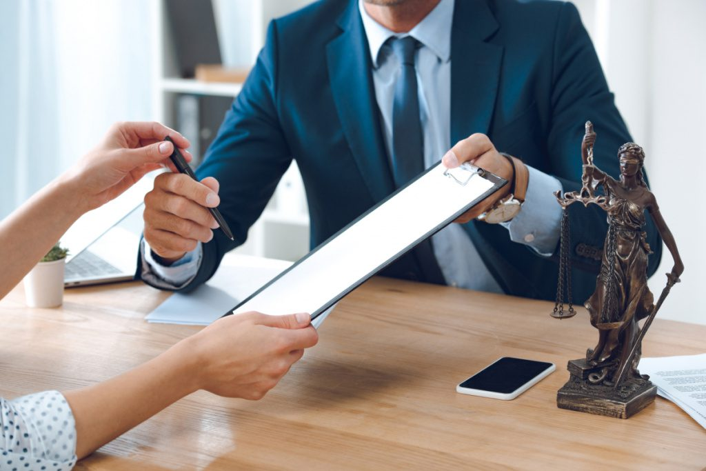 Почему стоит заказывать процедуру банкротства в юридическом агентстве «M&J»?