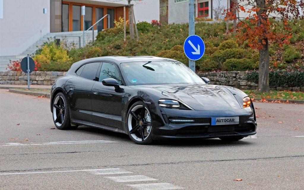 Дизайн универсала Porsche Taycan Cross Turismo рассекретили до премьеры