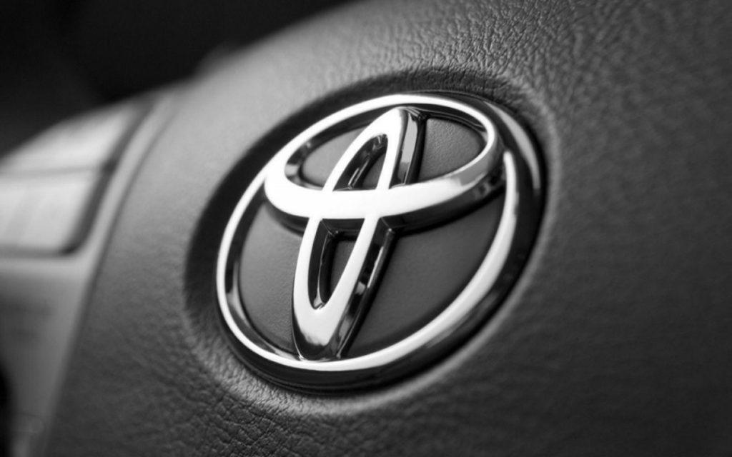 Toyota отправит в ремонт 70 тыс. проданных в России машин