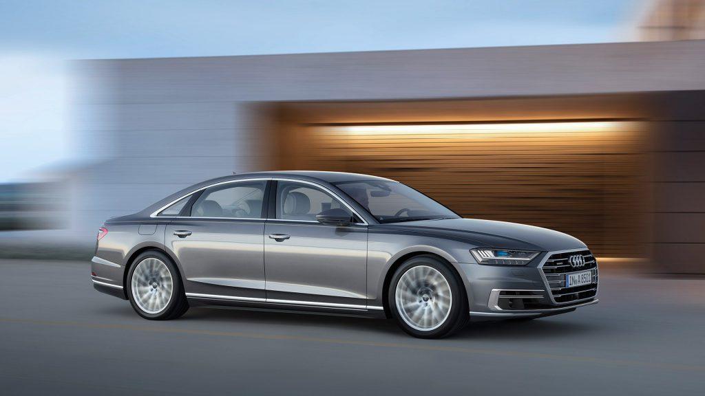 Audi вывела на тесты сверхроскошную версию A8