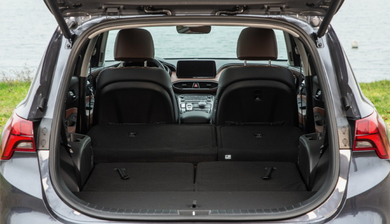 Hyundai Santa Fe получил новую платформу, новые моторы и подорожал на 200 тысяч рублей