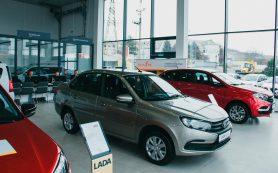 Пользователей каршеринга хотят пересадить на российские машины