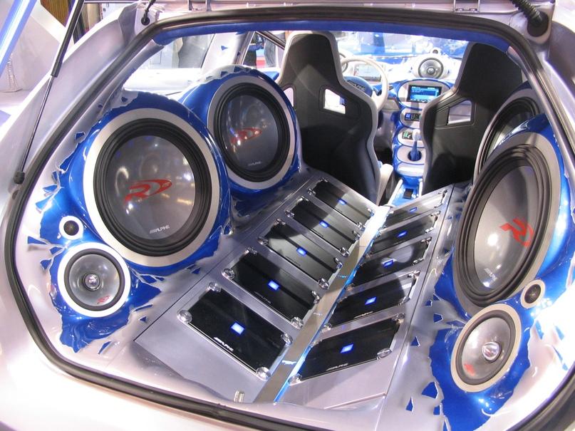 Акустика в автомобиле