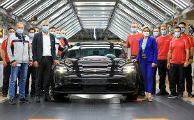 Porsche тащит на себе весь концерн VW и продолжает раздавать деньги рабочим