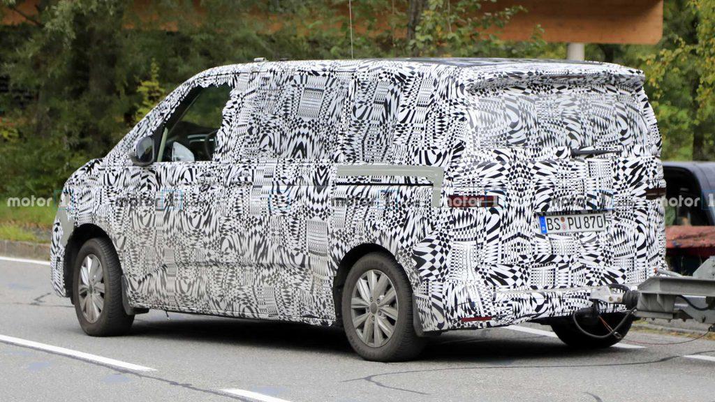 VW T7 показался на тестах еще до дебюта