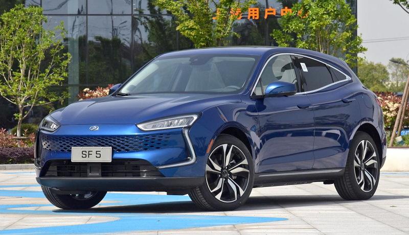 Производитель смартфонов Huawei занялся выпуском автомобилей
