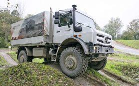 Mercedes Unimog на горном бездорожье