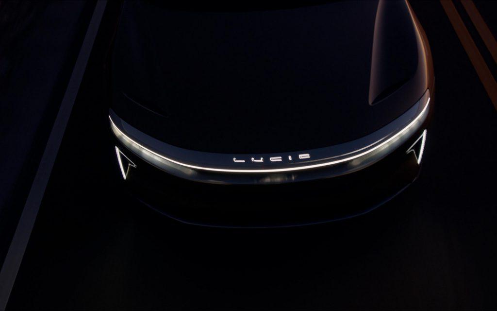 Конкурент Tesla купил рекламу во время интервью Илона Маска