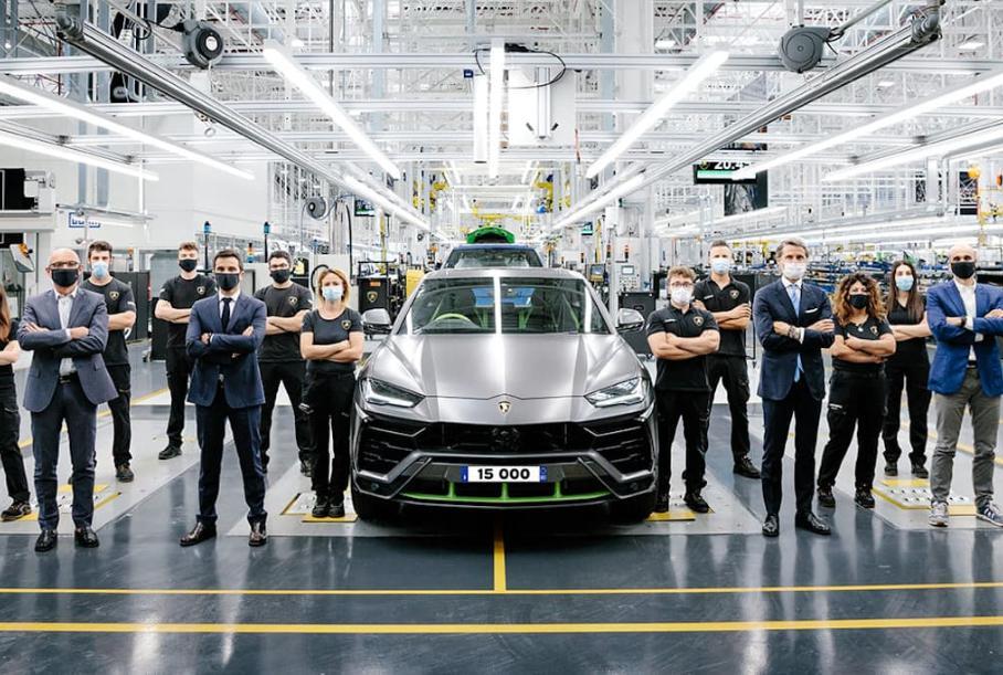 Lamborghini выпустила 15-тысячный Urus