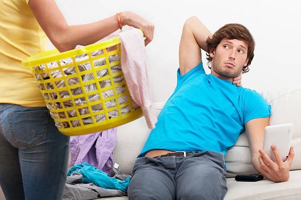 Как перевоспитать ленивого мужа: полезные рекомендации