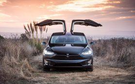 На старых электрокарах Tesla появится обновленный автопилот, но не бесплатно