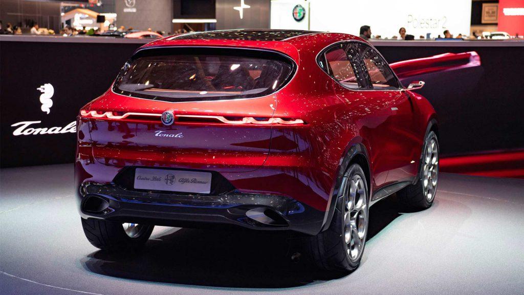 В Alfa Romeo обозначили срок премьеры Tonale и подтвердили, что SUV будет подключаемым гибридом