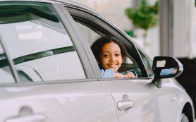 Почему нельзя оставлять детей одних в машин