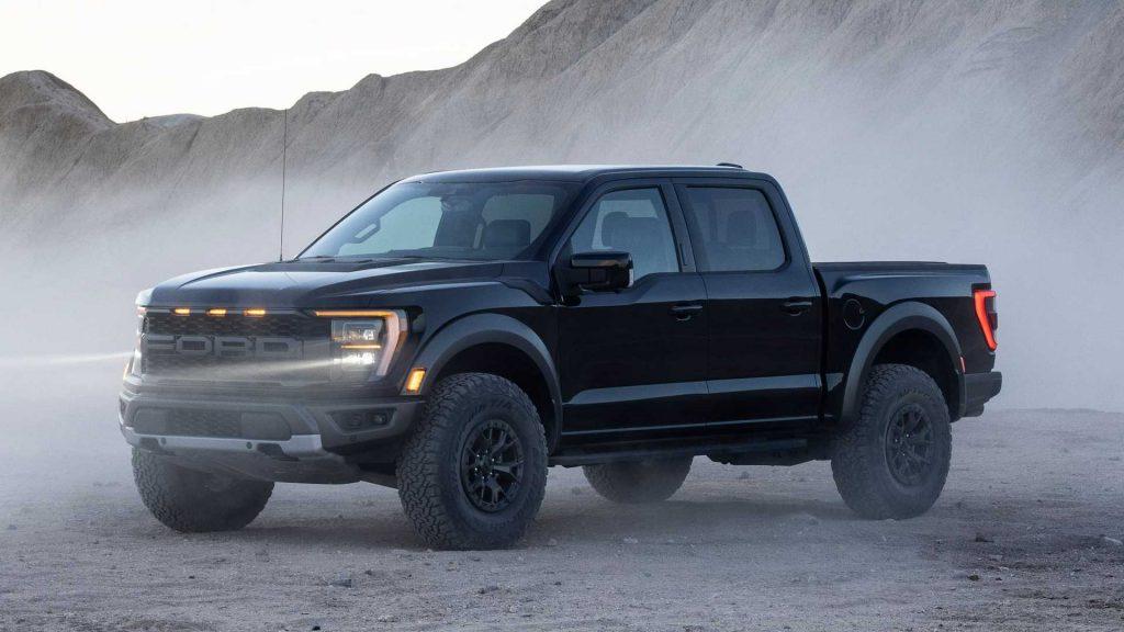«Заряженный» пикап готовят к производству: Ford F-150 Raptor R придётся ещё подождать