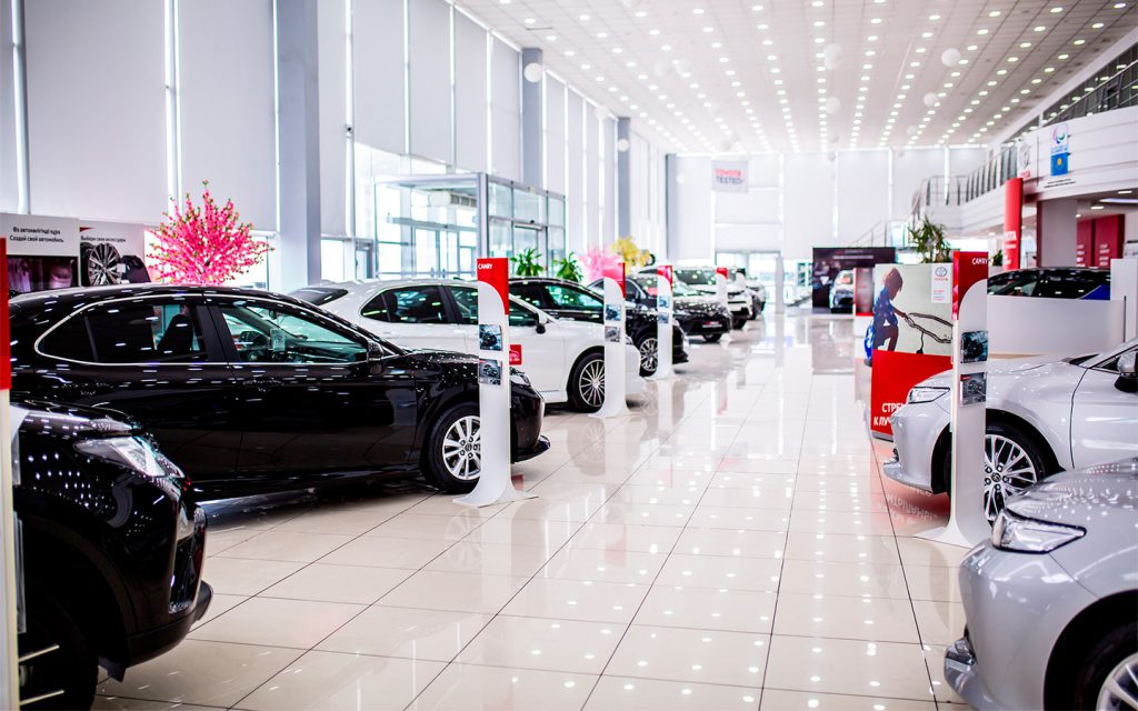Новый УАЗ, рекордное падение рынка и другое