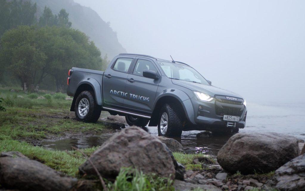 Пикап Isuzu D-Max нового поколения предложен в России в «хардкорной» версии от Arctic Trucks