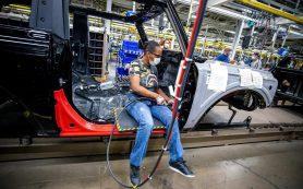 Подсчитано, сколько денег мировой автопром потеряет из-за дефицита чипов
